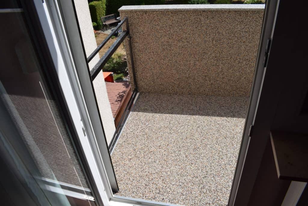 Balkon Sanierung mit Steinteppich in Flörsheim