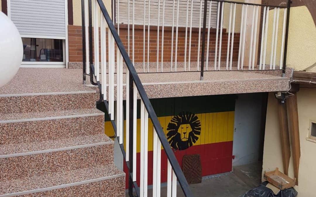 Balkonsanierung und Treppenzugang in Butzbach mit Steinteppich