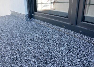 Balkon - Grigio Greco -steinteppich-fugenlos-naturstein-bodenbelag-fuer-terrasse-kueche-bad-und-wohnzimmer