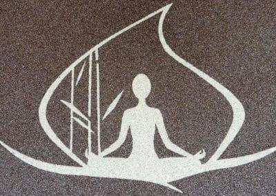gewerbe12-therapie-logo-steinteppich-fugenlos-naturstein-bodenbelag-fuer-terrasse-kueche-bad-und-wohnzimmer