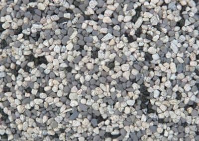 quarzkies_1026-steinteppich-fugenlos-naturstein-bodenbelag-fuer-terrasse-kueche-bad