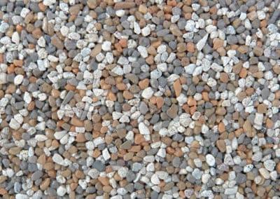 quarzkies_2009-steinteppich-fugenlos-naturstein-bodenbelag-fuer-terrasse-kueche-bad