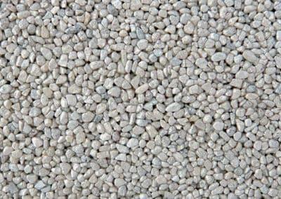 quarzkies_2405metallic-steinteppich-fugenlos-naturstein-bodenbelag-fuer-terrasse