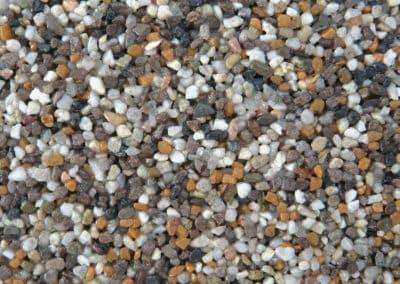 quarzkies_M13-steinteppich-fugenlos-naturstein-bodenbelag-fuer-terrasse-kueche-bad