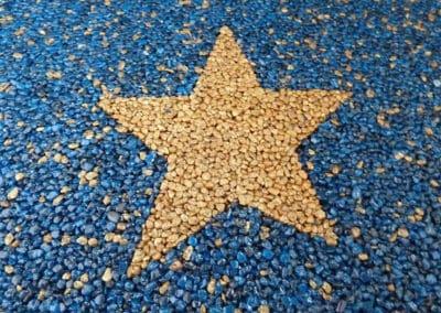 stern-gold-auf-blau-steinteppich-fugenlos-naturstein-bodenbelag-fuer-terrasse-kueche-bad-und-wohnzimmer