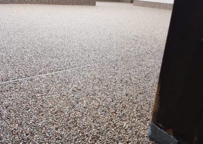 treppenaufgang-aussen5-steinteppich-fugenlos-naturstein-bodenbelag-fuer-terrasse-kueche-bad-und-wohnzimmer